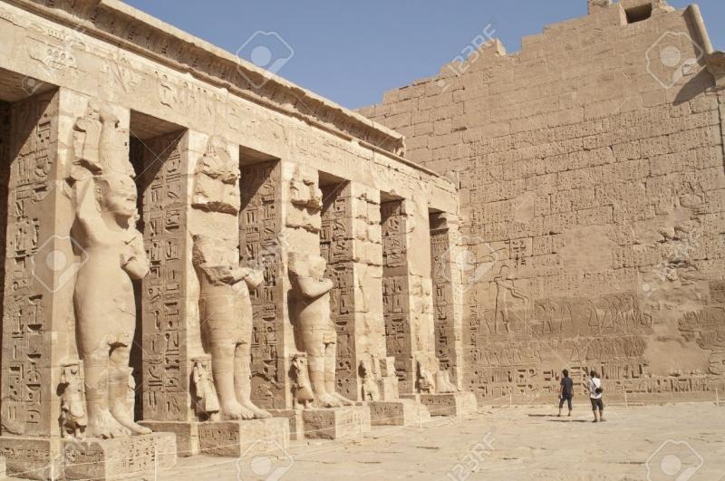 Đền thờ Mortesses III, từ không trung ở phía Đông.