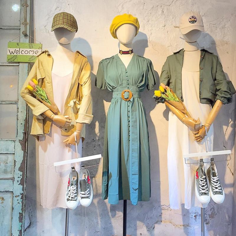 Chất lượng quần áo lẫn giày ở đây đều rất chất lượng và phong cách rất khác biệt so với nhiều shop khác