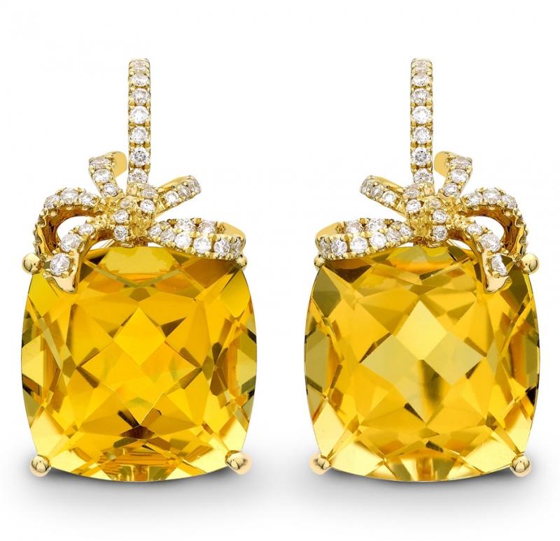 Trang sức đá quý màu vàng đậm tương sinh cho người mệnh Kim. Ảnh minh họa.