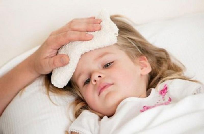 Người lớn bị cảm cúm đã mệt, trẻ nhỏ bị bệnh lại còn mệt hơn.