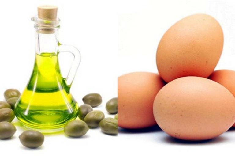 Sử dụng lòng trắng trứng và dầu oliu
