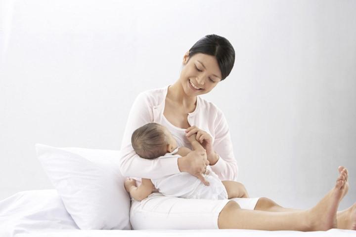 Mẹo giúp sữa mẹ thơm và sữa về nhanh