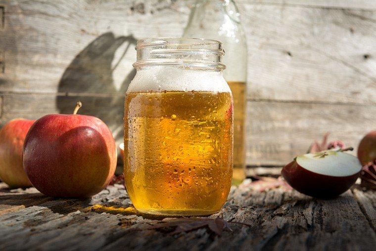Mẹo trị rụng tóc bằng giấm táo