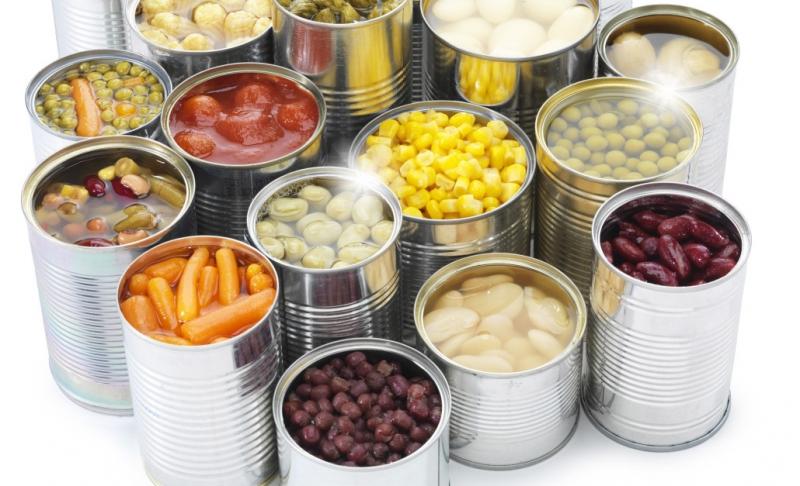 Đừng vội vứt đi những đồ ăn đóng hộp bị mốc. Hãy kiểm tra đã!