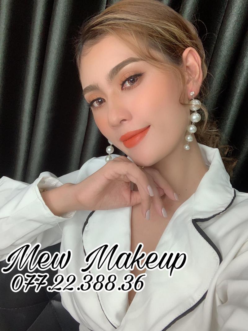 Mew MakeUp