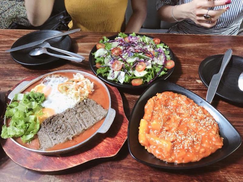 Miaow - Pizza & Bingsu
