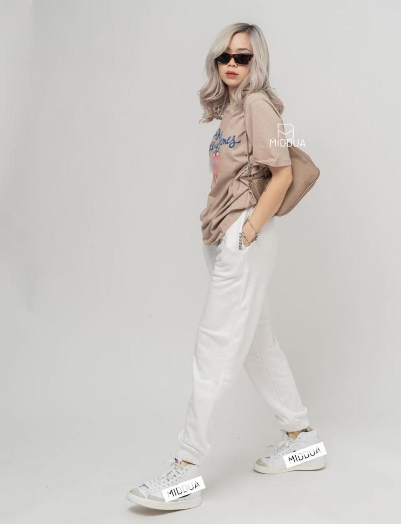 Đến với Middua Shop, các cô gái có thể dễ dàng tìm thấy những mẫu jeans đẹp mắt