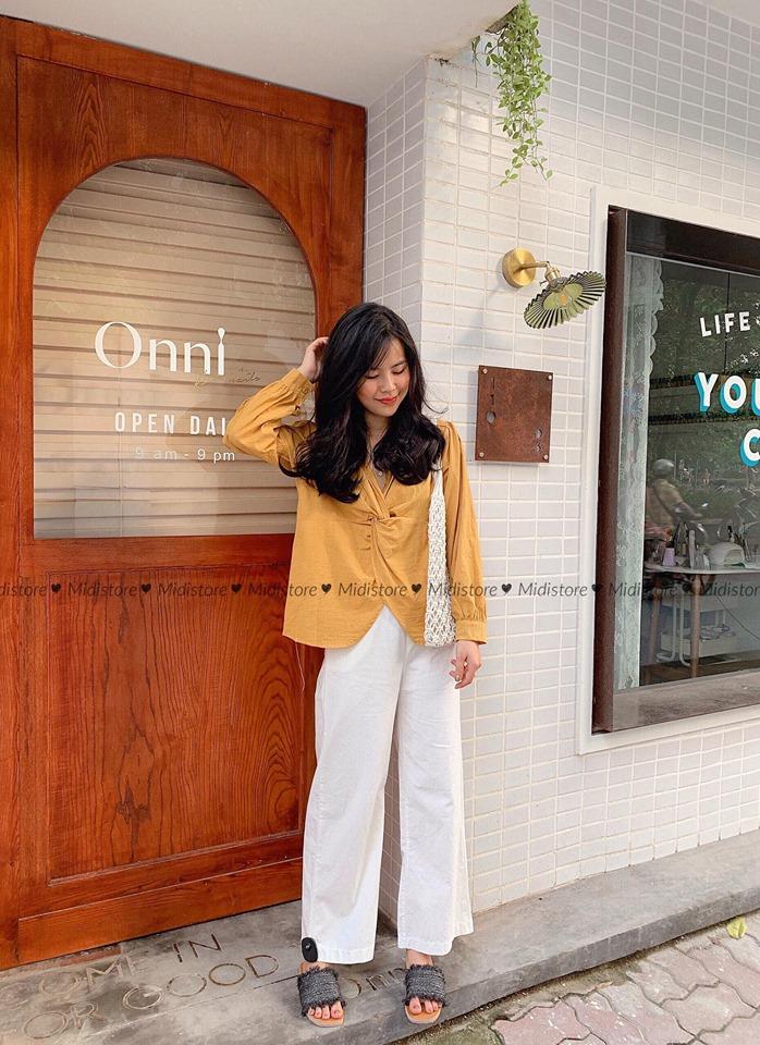 Trang phục tại Midistore cũng có phần khá đáng yêu, đều là những mẫu thiết kế trẻ trung của lứa tuổi teen