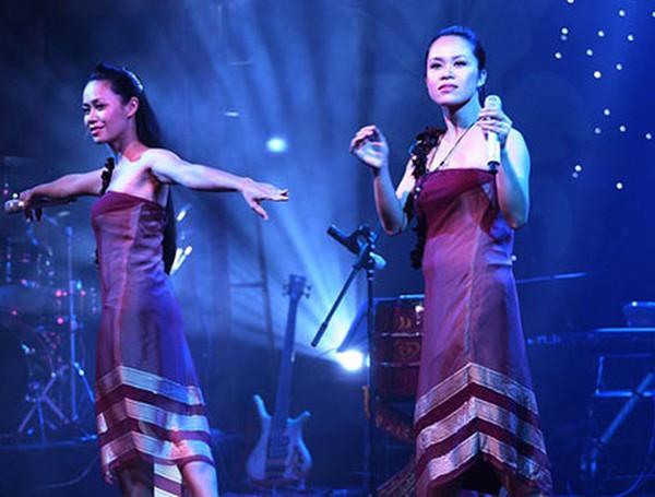Minh Anh – Minh Ánh (Tam ca 3A)