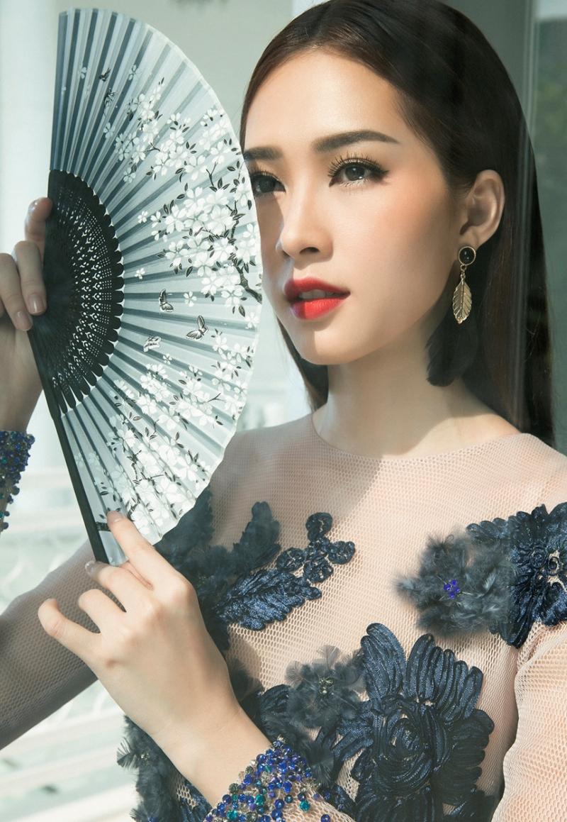 Vẻ đẹp đằm thắm, quyến rũ của Hoa hậu Đặng Thu Thảo với bàn tay makeup của Minh Lộc