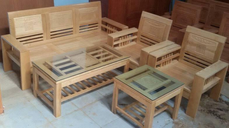 Bộ bàn ghế từ gỗ sồi được bán ở Minh Quốc (Nguồn: Sưu tầm)