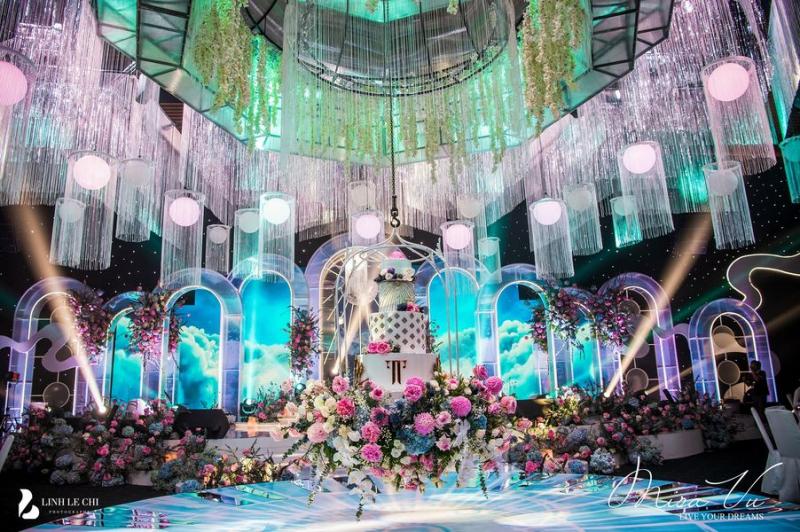 Misa Vu Luxury Events có đội ngũ tư vấn, thiết kế chuyên nghiệp, am hiểu và luôn bắt kịp những xu hướng mới nhất về trang trí cưới hỏi