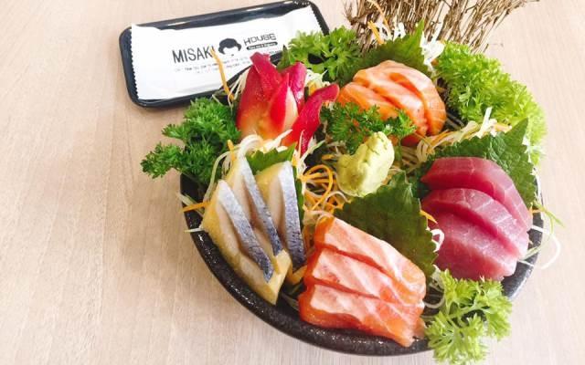 Sushi ở Misaki House