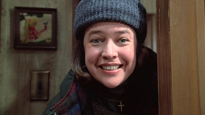 Kathy Bates với khuôn mặt đáng sợ của nhân vật Annie Wilkes