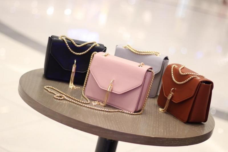 Mẫu túi xách tại MissDandy's shop (hình ảnh lấy từ Fanpage của shop)