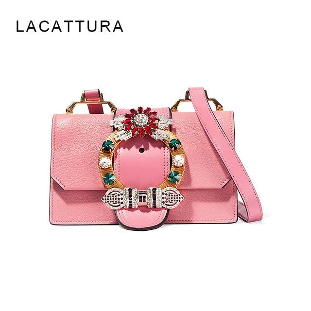 Giá on web của chiếc túi này 1,700 Euro