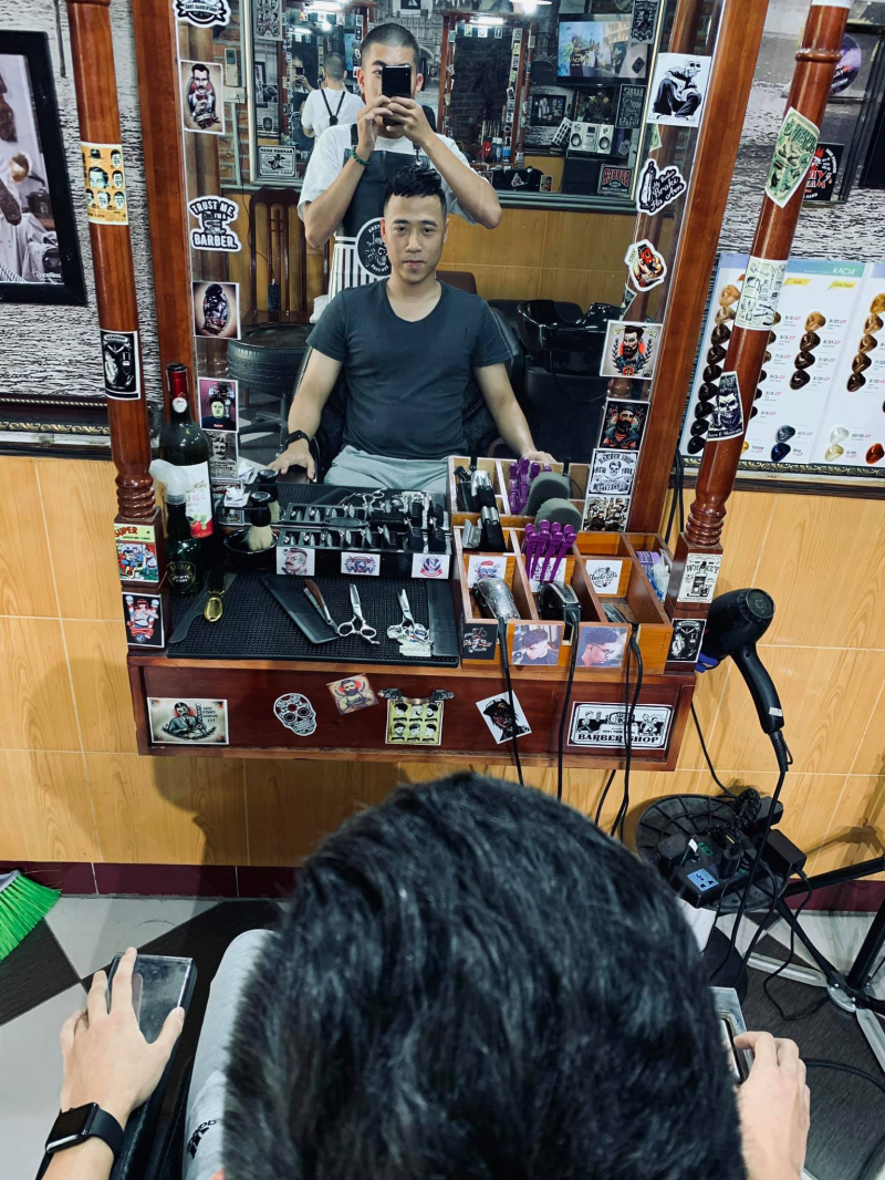 Mỏ Barber Shop