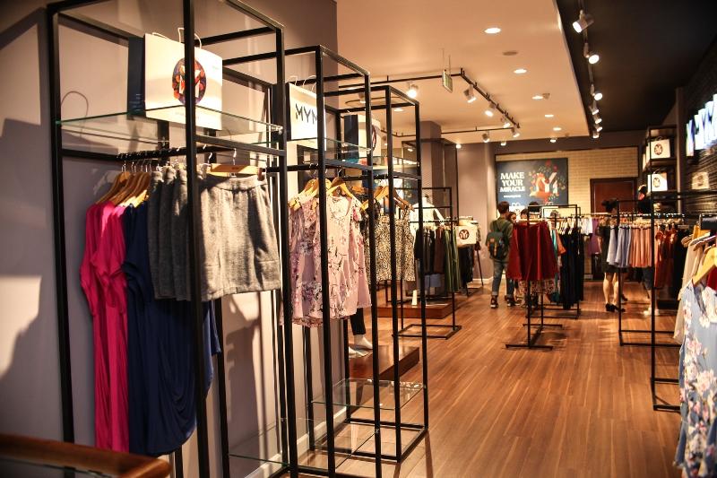 Mở cửa hàng quần áo