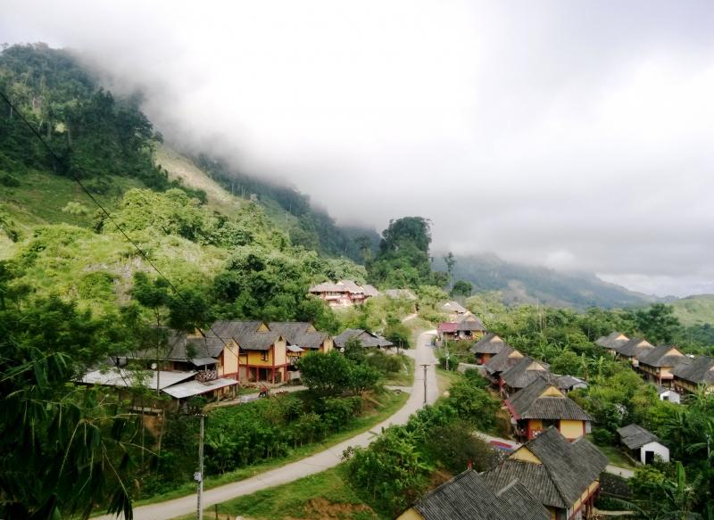 Mộc Châu nằm thơ mộng giữa núi đồi