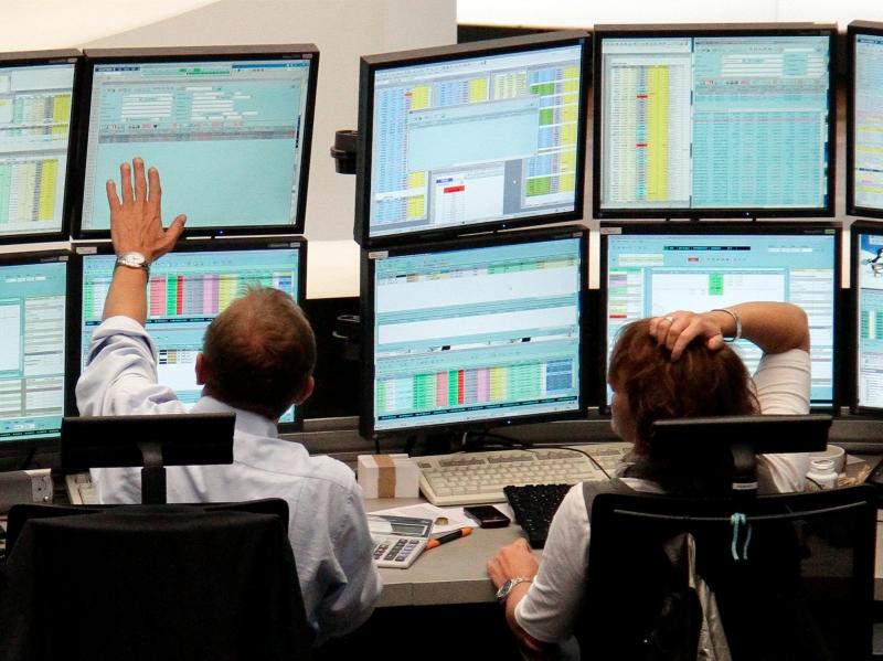 Thị trường chứng khoán luôn la một nơi hấp dẫn nhưng lại đầy rẫy những nguy cơ có thể xảy đến bất cứ lúc nào