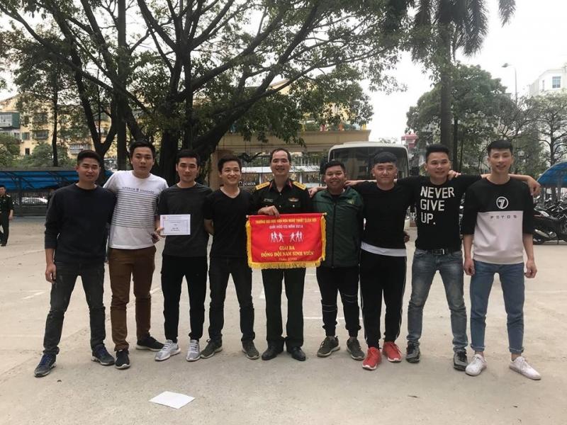 Sinh viên Khoa Khoa học Xã hội & Nhân văn giành giải trong Hội thao chào mừng 26/3 của nhà trường
