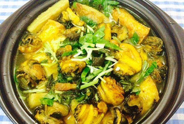 Món chuối xanh nấu ốc