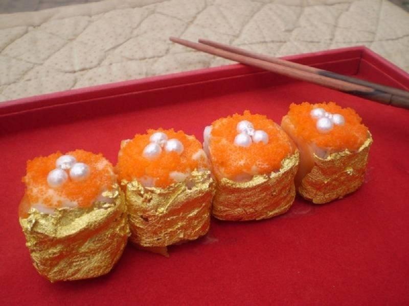 Món Sushi kim cương và vàng lá có giá 1978 USD