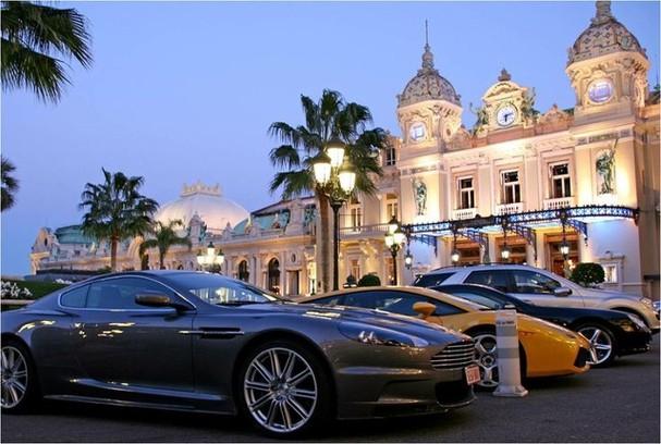 Monaco - 732 xe con/1.000 người