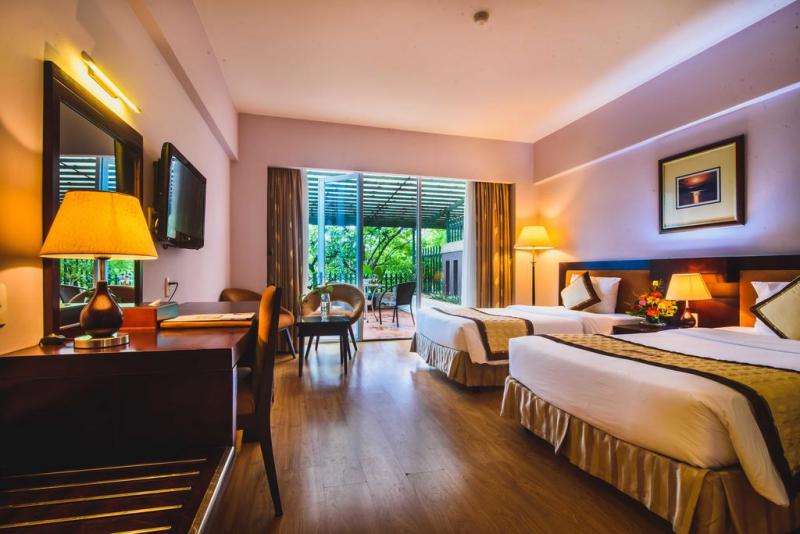 Khách sạn có 9 tầng gồm 106 phòng nghỉ hiện đại, đầy đủ tiện nghi và không gian thoáng đãng, sạch sẽ.