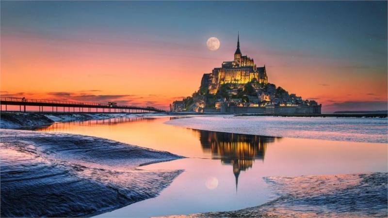 Mont Saint - Michel, lâu đài thời trung cổ trên hòn đảo nhỏ