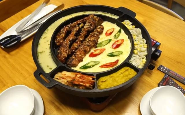 Món ăn được bày trí bắt mắt ở nhà hàng