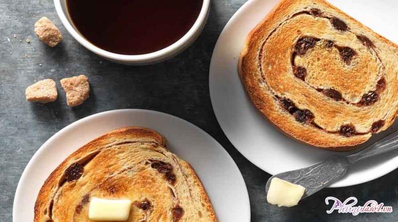 Bánh mì quế nho khô đơn giản chính là một món quà tự làm không thể tuyệt hơn