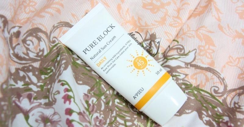 A'pieu Pure Block Natural Sun Cream Daily (Giá tham khảo: Khoảng 180.000 VND/ 50ml)