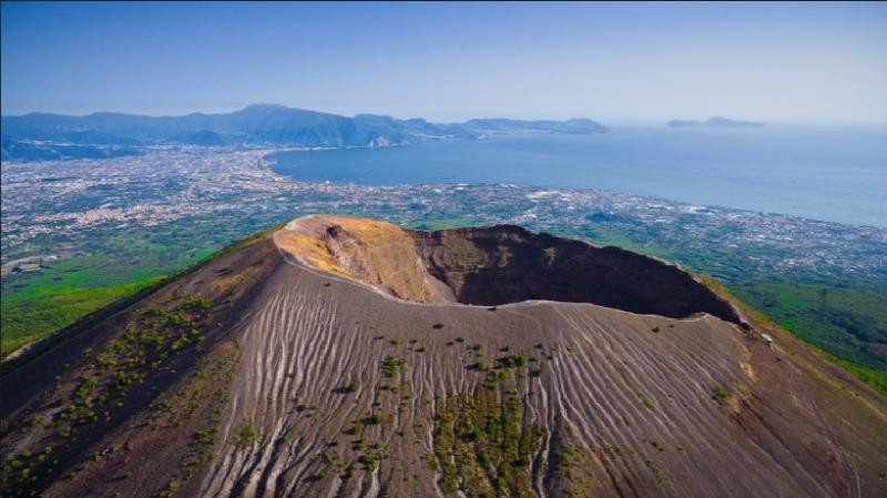 Hình ảnh miệng núi lửa Mount Vesuvius