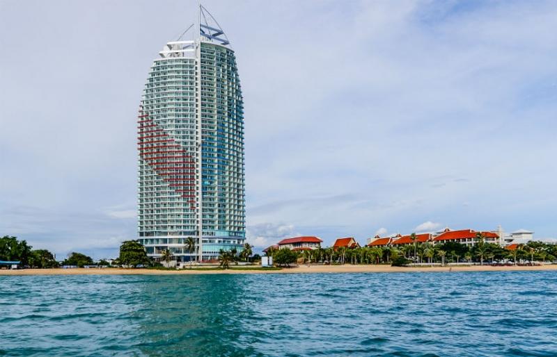 Movenpick Siam Hotel Pattaya là một khách sạn 5 sao nằm ngay sát bên bãi biển Pattaya tuyệt đẹp