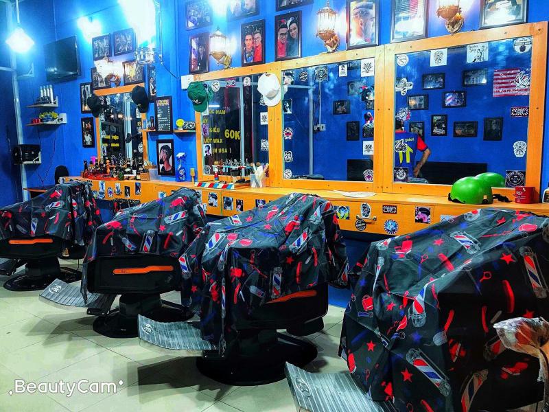 Không gian của Mr. Hoàng barbershop