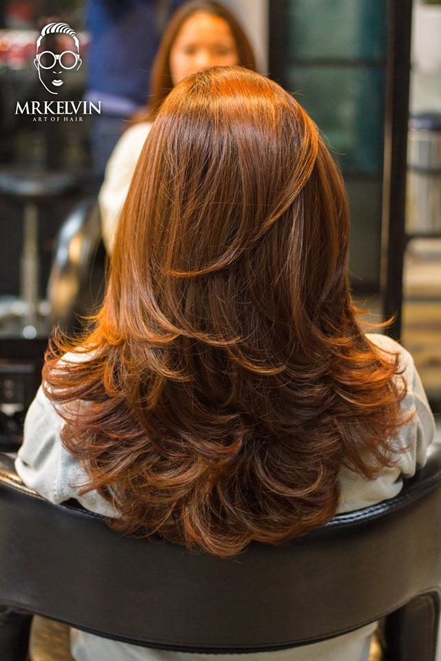 Bạn có thể thoải mái lựa chọn kiểu tóc mà mình muốn, uốn cụp, uốn sóng lọn to, uốn cúp đuôi…