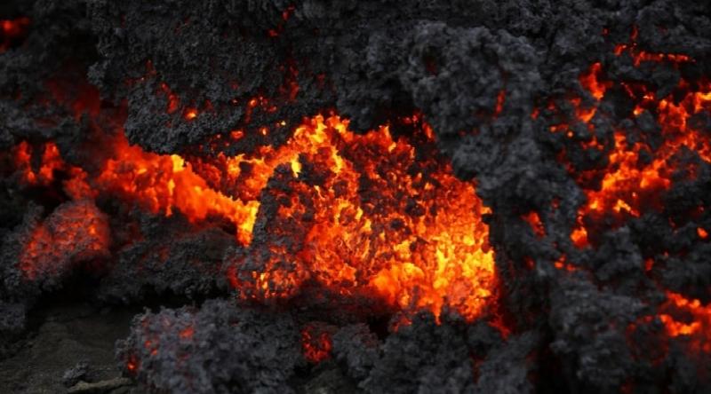 Cận cảnh dung nham chảy ra từ núi lửa Mt.Nyiragongo