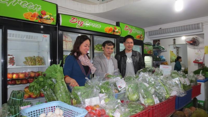 Mua đồ ăn tại những cửa hàng thực phẩm sạch