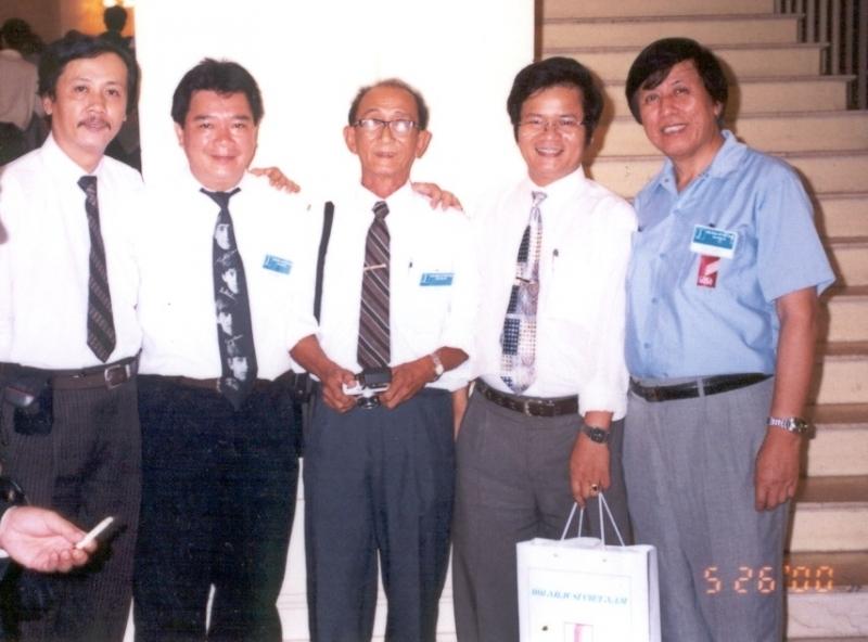 Nhạc sĩ Vy Nhật Tảo ( thứ 2 từ trái sang)