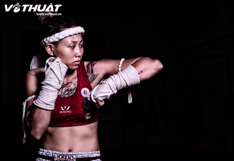 Luyện tập Muay Thái để tăng cường sức khỏe.