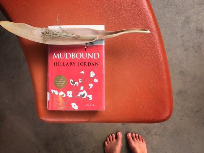 Cuốn sách Mudbuond