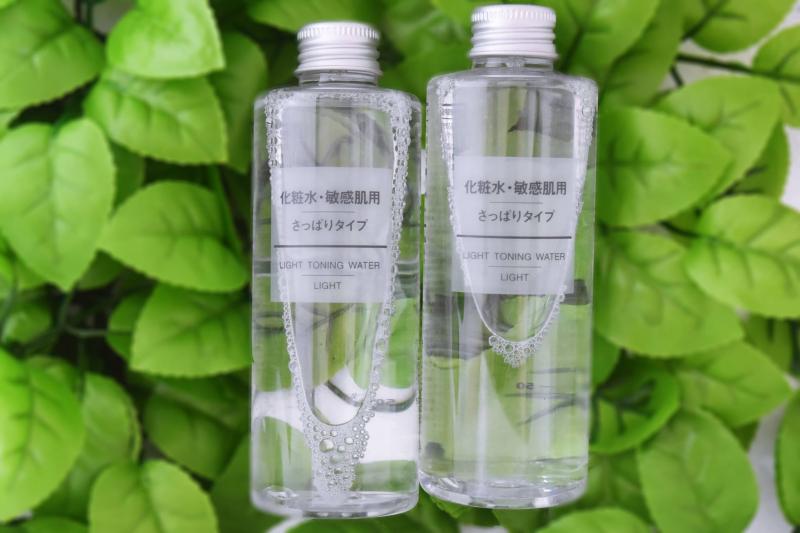 Muji Light Toning Water không chứa cồn, hương liệu, parabens hay tạo mùi, không thành phần dầu khoáng nên phù hợp với tất cả loại da