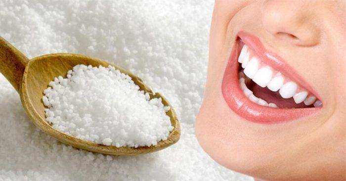 Làm trắng răng bằng muối