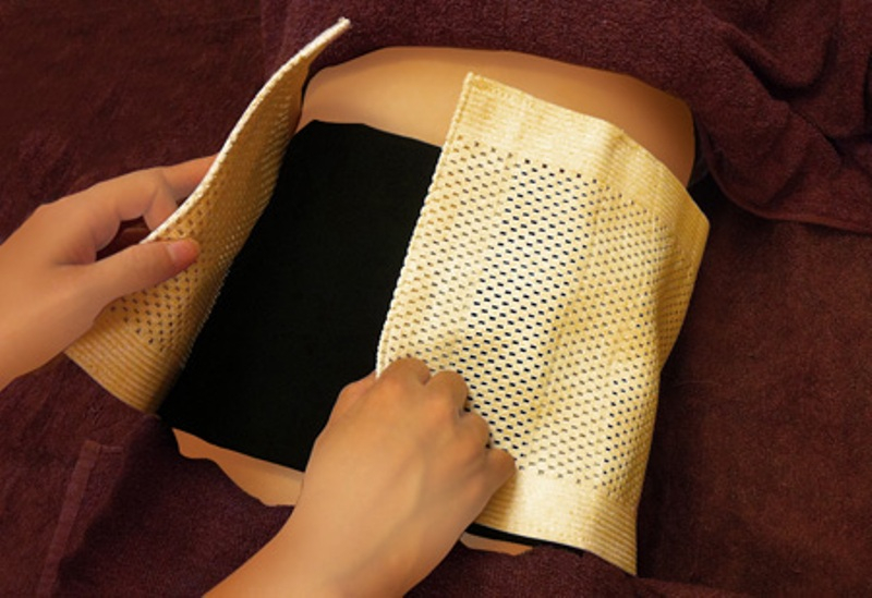 Túi muối thảo dược giúp giảm mỡ bụng hiệu quả
