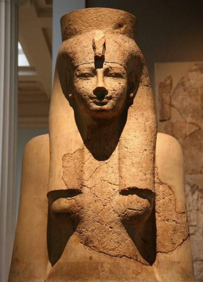 Mut - Nữ thần Mẹ