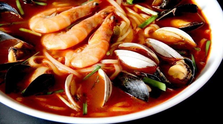Mỳ hải sản cay