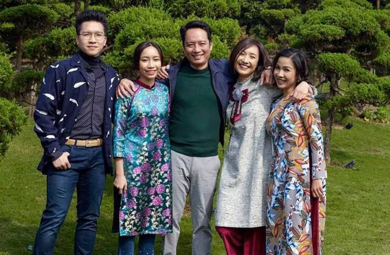 Các con của vợ chồng Mỹ Linh - Anh Quân đều trưởng thành và tài giỏi