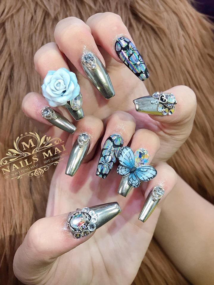Nails Mai