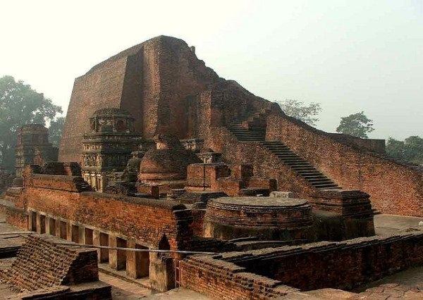 Nalanda – trường đại học Phật giáo cổ xưa nhất thế giới tồn tại từ thế kỷ thứ 5 đến năm 1197 là một trong những thành tựu nổi bật nhất của Ấn Độ cổ đại trong lĩnh vực giáo dục.